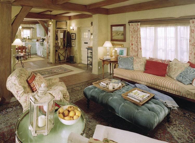 Cottage Style Interior Design Ideas