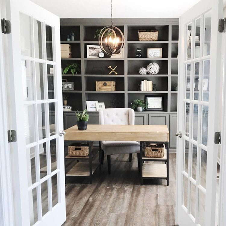 Cool Home Office Setup with Trendy Decorations
