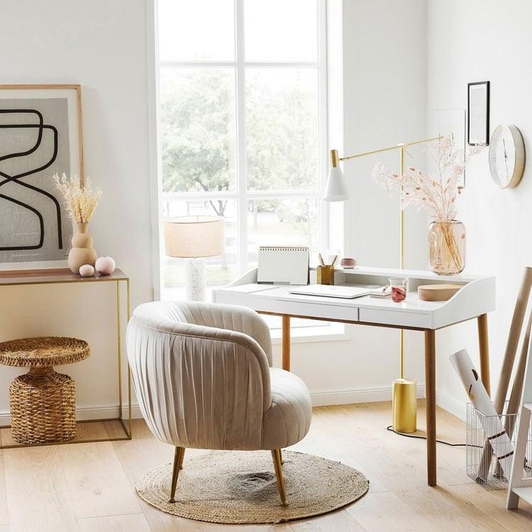 Cute Bedroom Home Office Setup