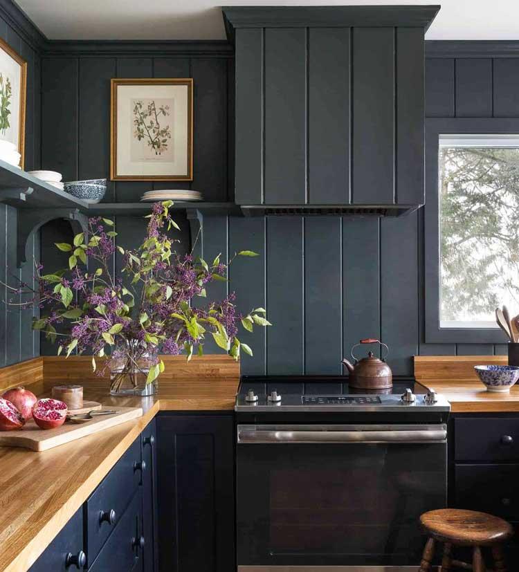 Dark Kitchen Backsplash Design