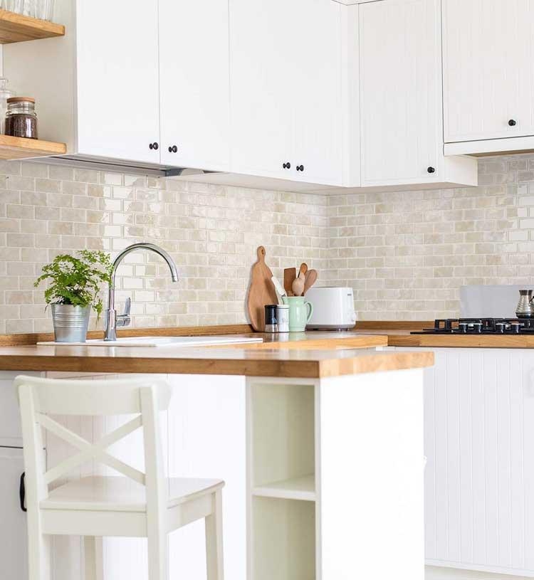 Glossy Backsplash Tiles For Small Kitchen
