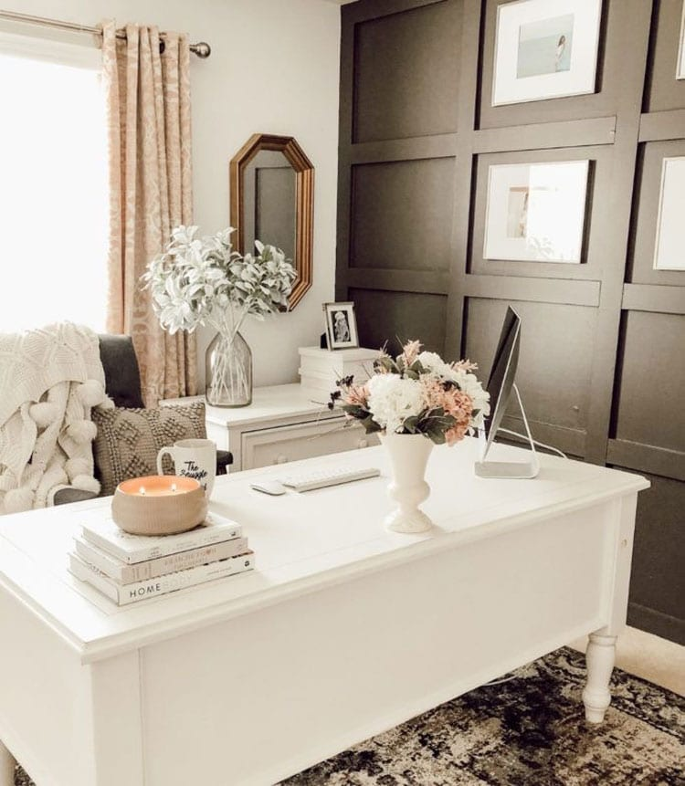 Simple White Office Decor For Your Home