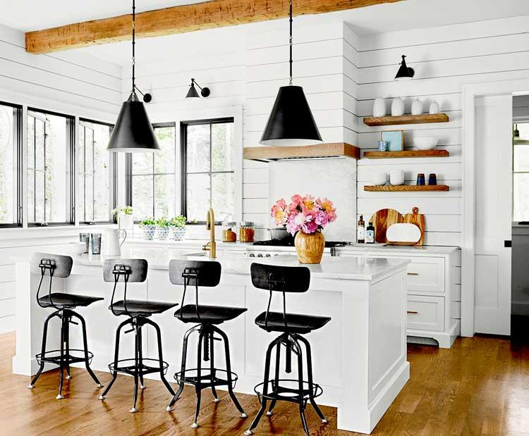 White Farmhouse Kitchen Backsplash Pattern Design Ideas