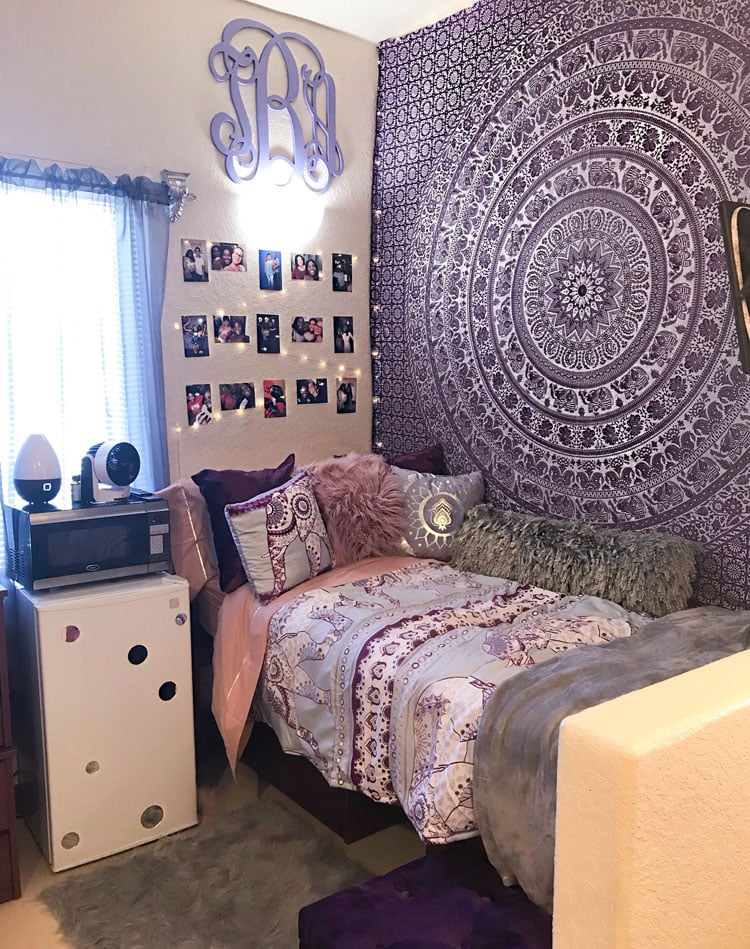 Amazing Dorm Bed with Tapestry and Photo Wall