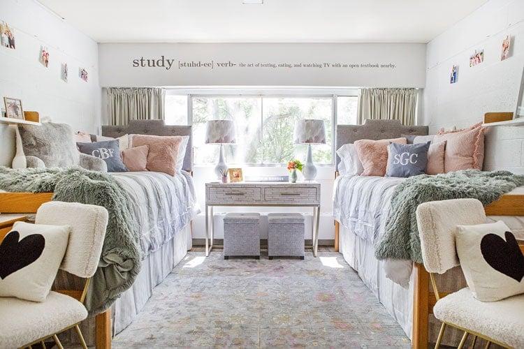 Beautiful Dorm Room Decor with Trendy Bedding