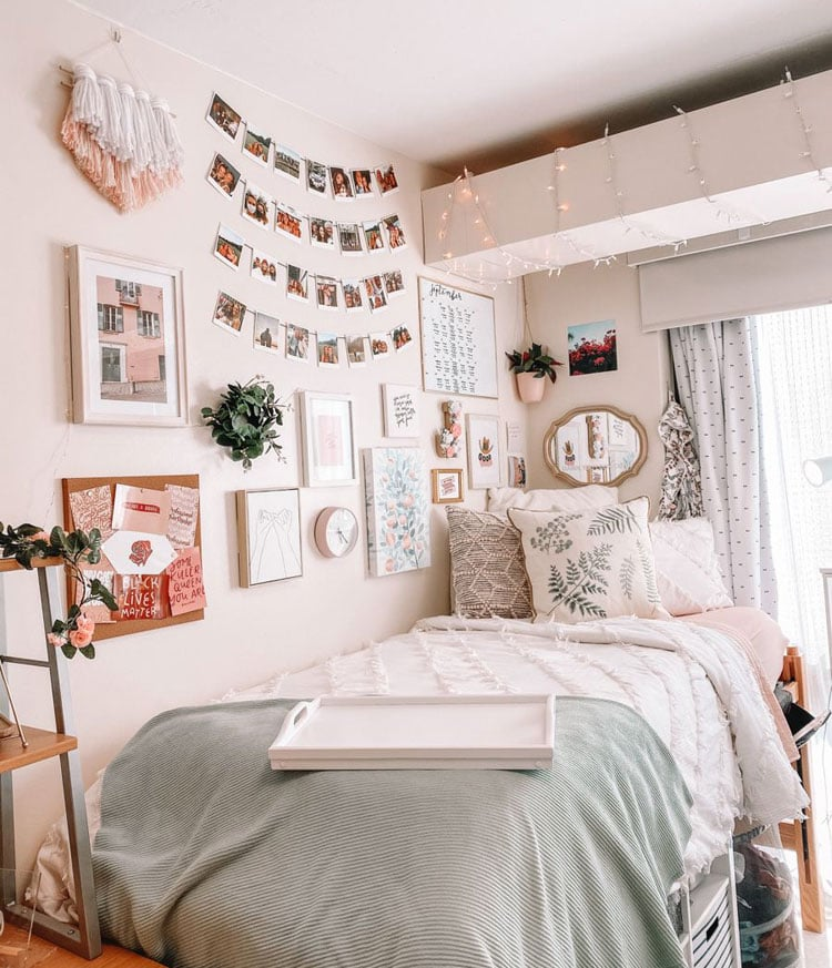 Creative Dorm Room with Wall Decor and Cool Decorations