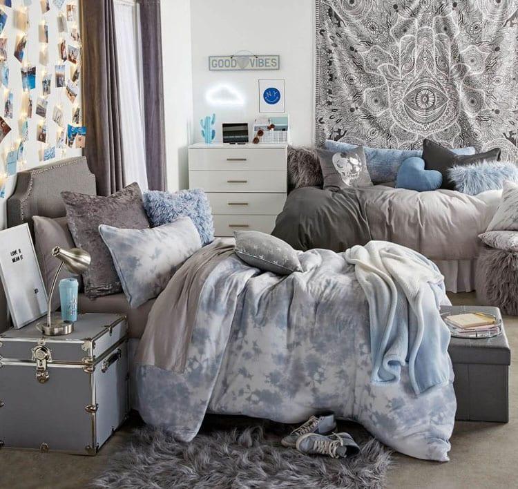 Grey Blue Best Friend Dorm Room Decor with Art