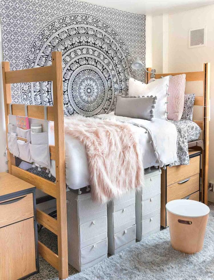 Simple Dorm Room Decor For Girls
